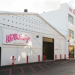 Photo Of HD Buttercup   Los Angeles, CA, United States. Outside The DTLA
