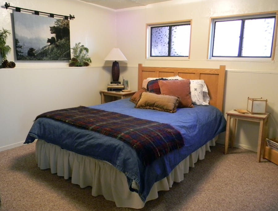 Bear's Lair: 830 Hwy 4, Arnold, CA