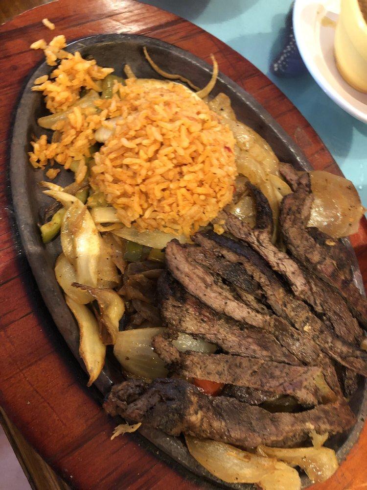 Las Fuentes Steak and Grill: 8731 Hwy 6 Lp, Navasota, TX