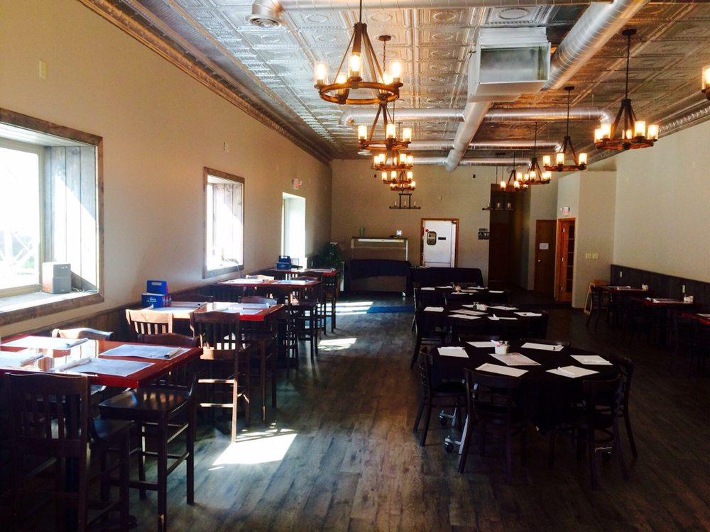 Jim's Sport Club Bar & Grill: 108 W Lake St, Chisholm, MN