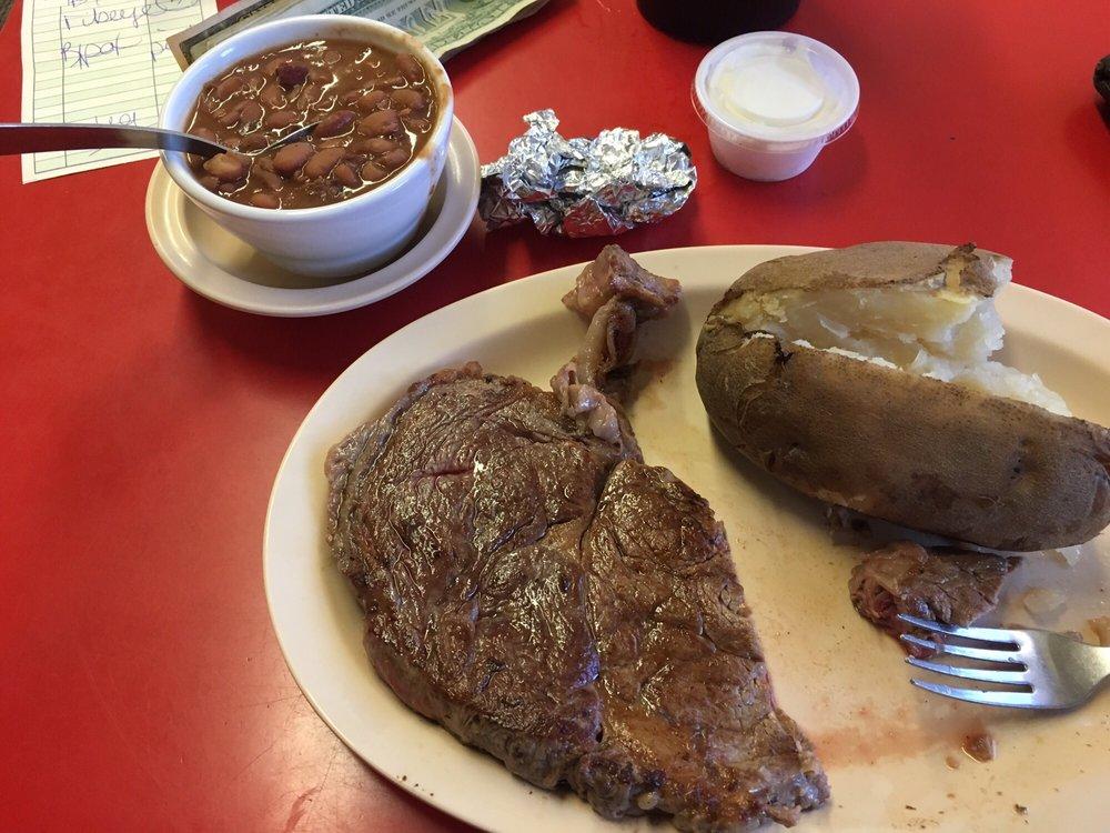 Hubbard City Cafe: 602 N Magnolia Ave, Hubbard, TX
