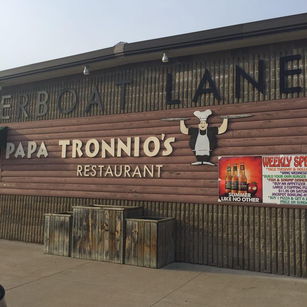 Papa Tronnio's Pizza: 218 2nd St W, Wabasha, MN