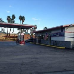 Palm desert 76 closed gas stations 73801 hwy 111 for Desert motor palm desert ca