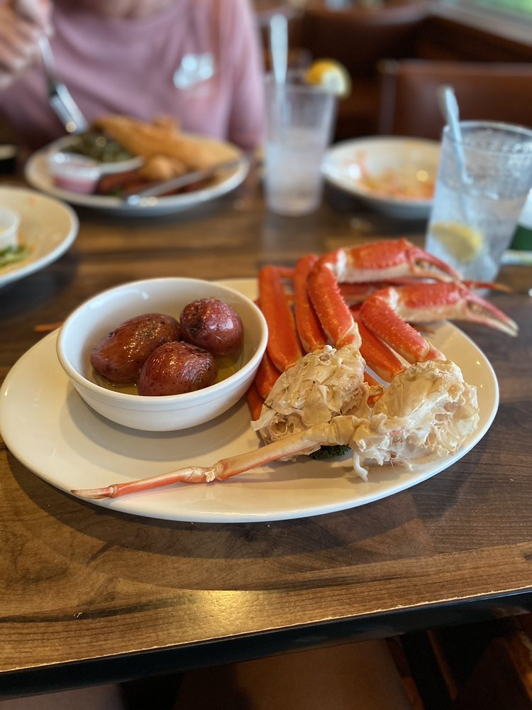 Fisherman's Wharf Steak and Seafood: 5101 Central Ave, Hot Springs National Park, AR
