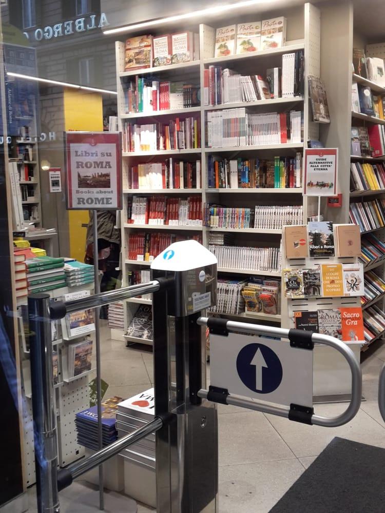 Bookshop librerie dell 39 usato via nazionale 254 for Librerie usato milano