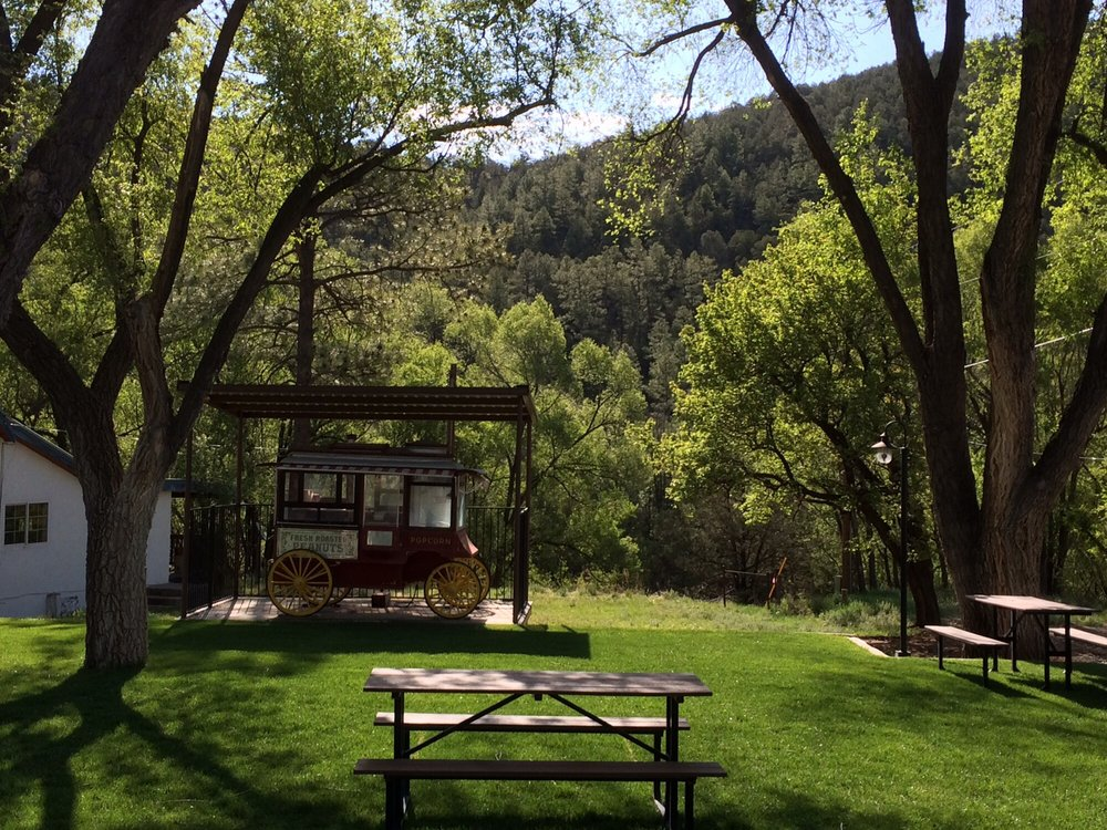Mayhill Cafe & Hotel: 3491 US-82, Mayhill, NM