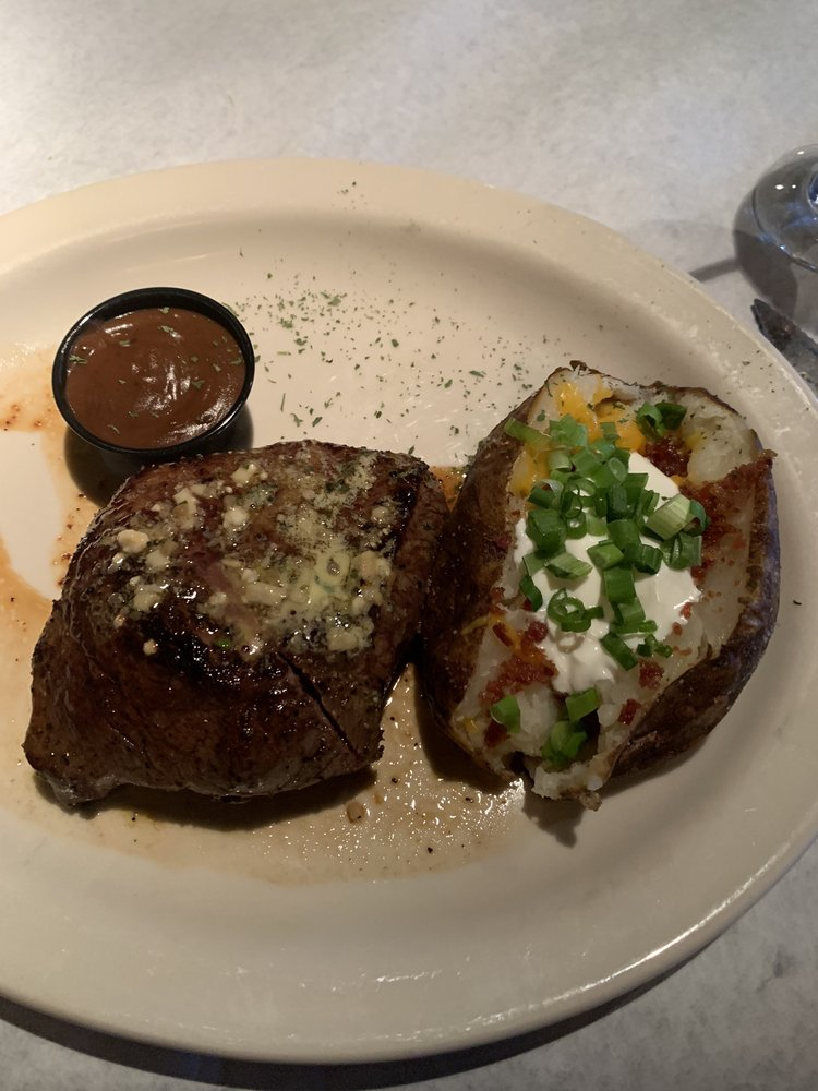 Perry & Sons Market & Grille: 614 S Friendswood Dr, Friendswood, TX