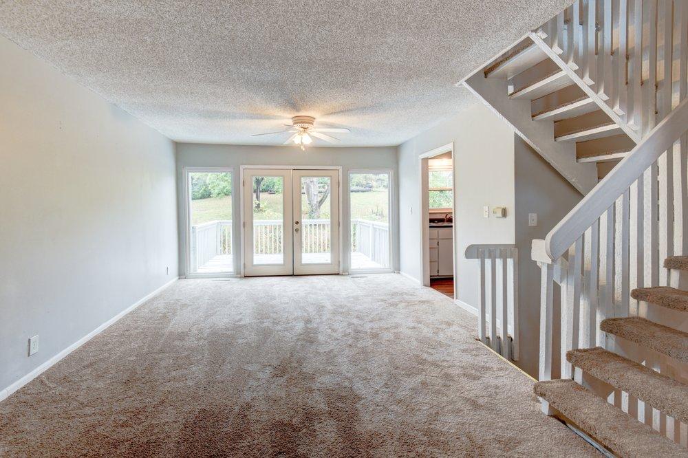 Jamie Johnston - Reece Nichols Real Estate: 15133 Rosewood St, Leawood, KS