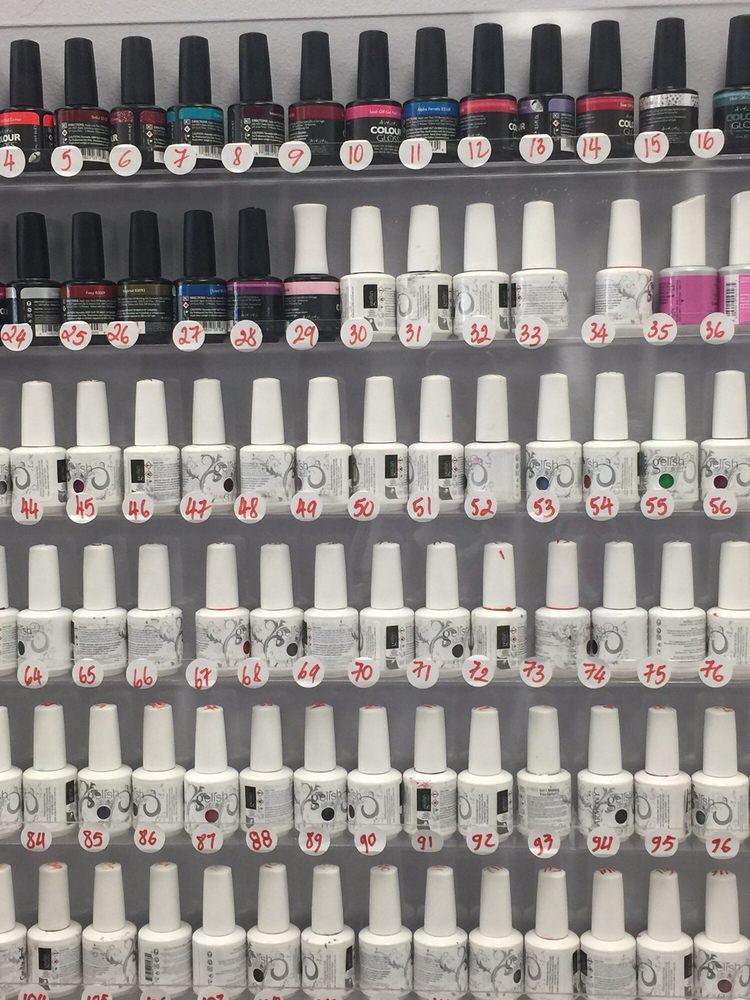 Sue's Nails & Spa: 233 N 48th St, Lincoln, NE