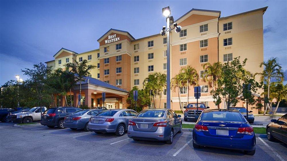 Best Western Plus Fort Lauderdale Airport South Inn & Suites