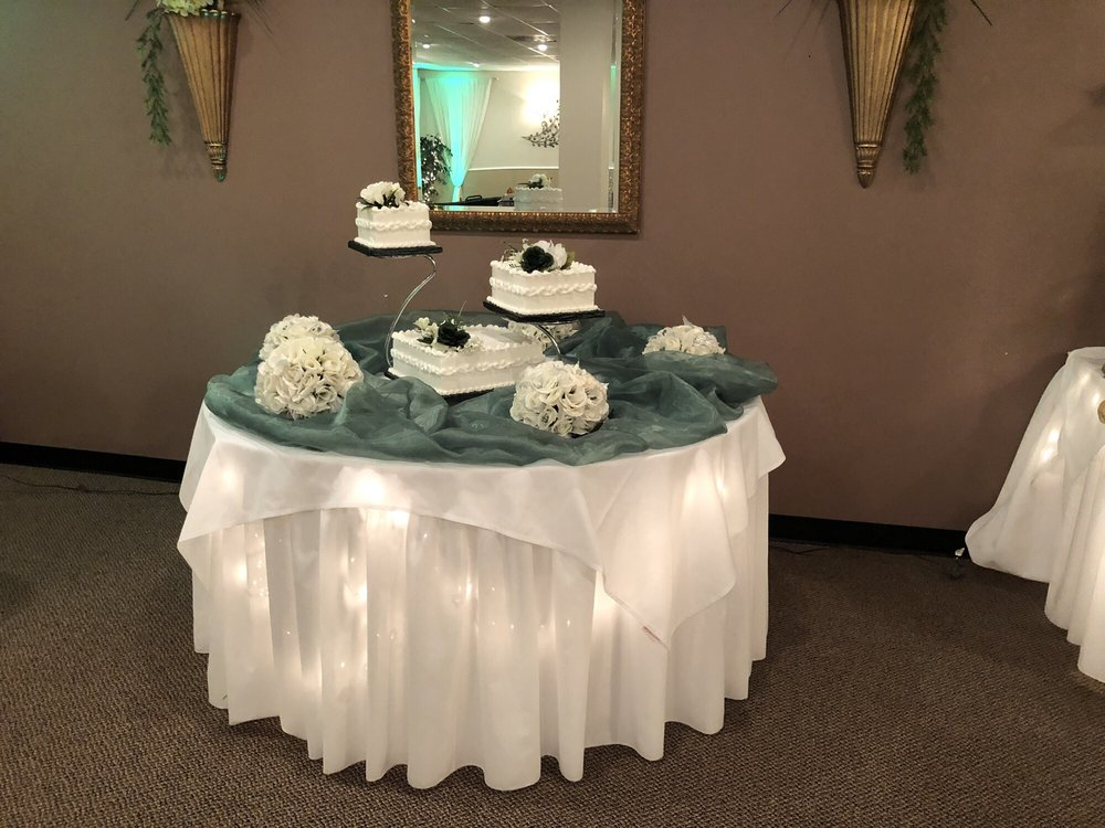 Wedding Wonderland Cake Shop: 449 Dunn Rd, Florissant, MO
