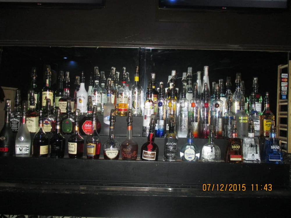 Sugababyyy's Sport's Bar & Grill: 15414 Park Ave, Harvey, IL