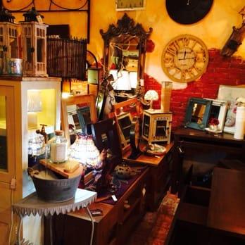Colonnial gallery tiendas de muebles carrer de sant for Registro bienes muebles barcelona telefono
