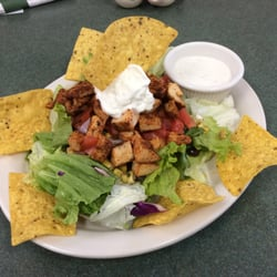 photo of shakers american caf orlando fl united states chicken taco salad