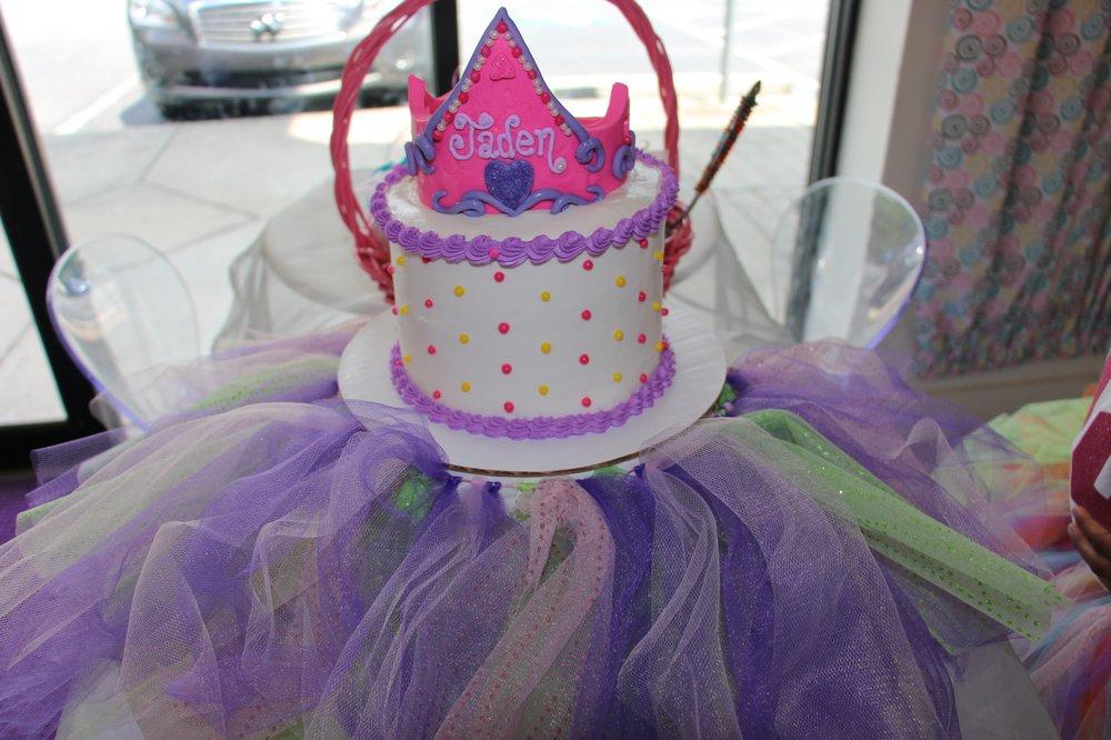 Lolli Bop Sweet Shop: 2355 Cumberland Pkwy SE, Atlanta, GA