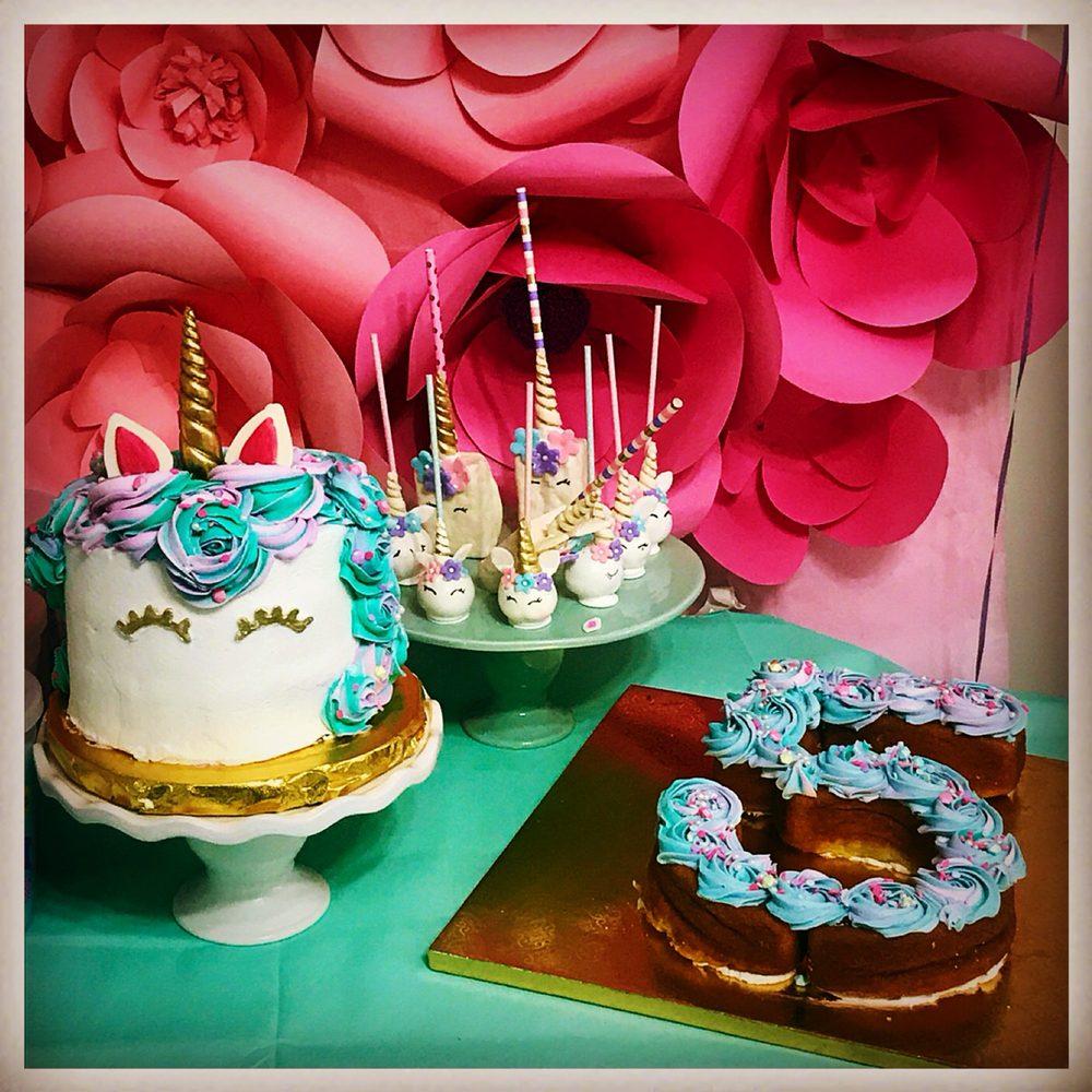 Belle Estanni Bake Shoppe: 4405 Calumet Ave, Valparaiso, IN