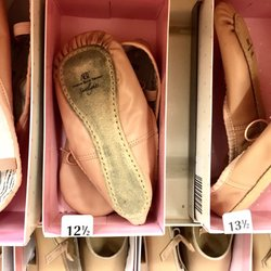 f7dcb0018 Payless ShoeSource - CLOSED - 12 Photos   11 Reviews - Shoe Stores ...