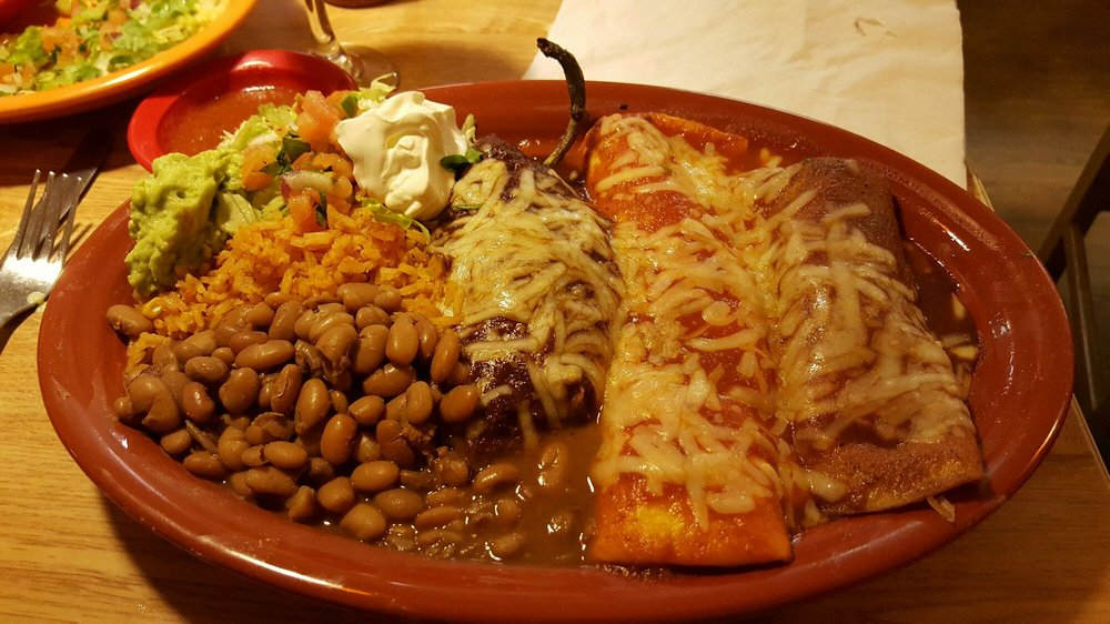 Barrigas Mexican Grill & Cantina: 205 E Main St, Greenwood, MO