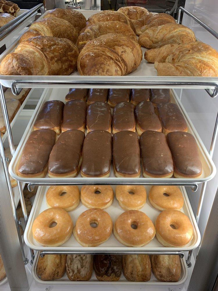 Glazed Donuts: 780 Ramona Expy, Perris, CA