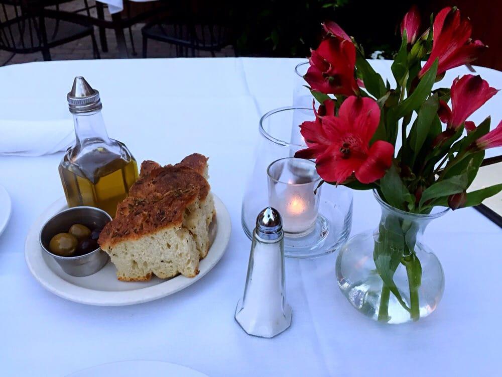 A tavola 124 foto e 335 recensioni cucina italiana - Posizione posate a tavola ...
