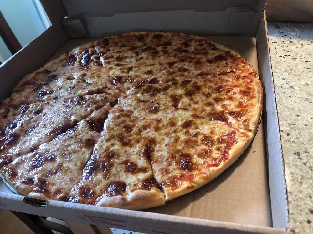 Clinton Pizza: 15 East Main St, Clinton, CT