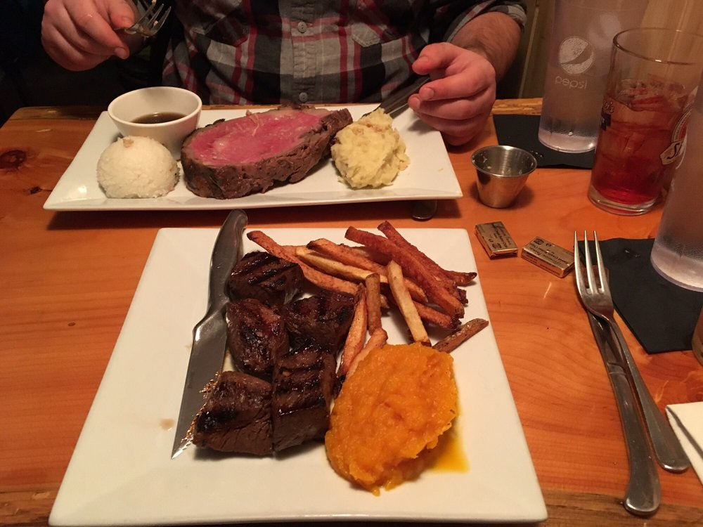 Tuckerman's Restaurant & Tavern: 336 Route 16A, Intervale, NH