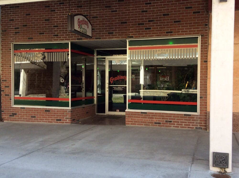 Gambino's Pizza: 610 Commercial St, Atchison, KS