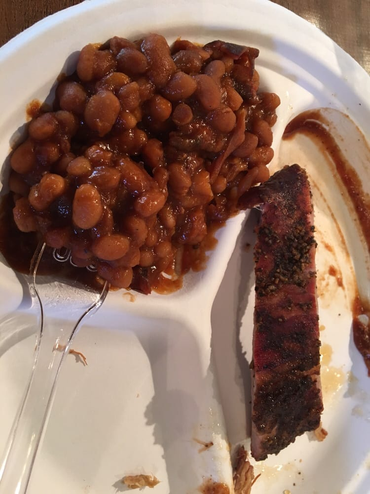 Food from Banjo's BBQ