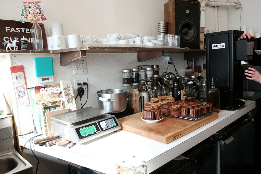 Courier Coffee Roasters: 923 SW Oak St, Portland, OR