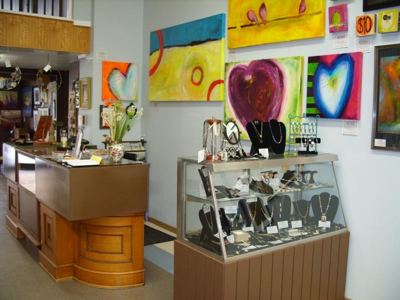 HGS Gallery: 208 E Main St, Luverne, MN