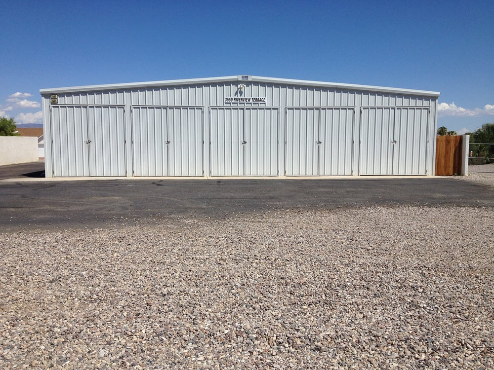 Bob & Terri Rath Boat Storage: 3550 Riverview Ter, Needles, CA