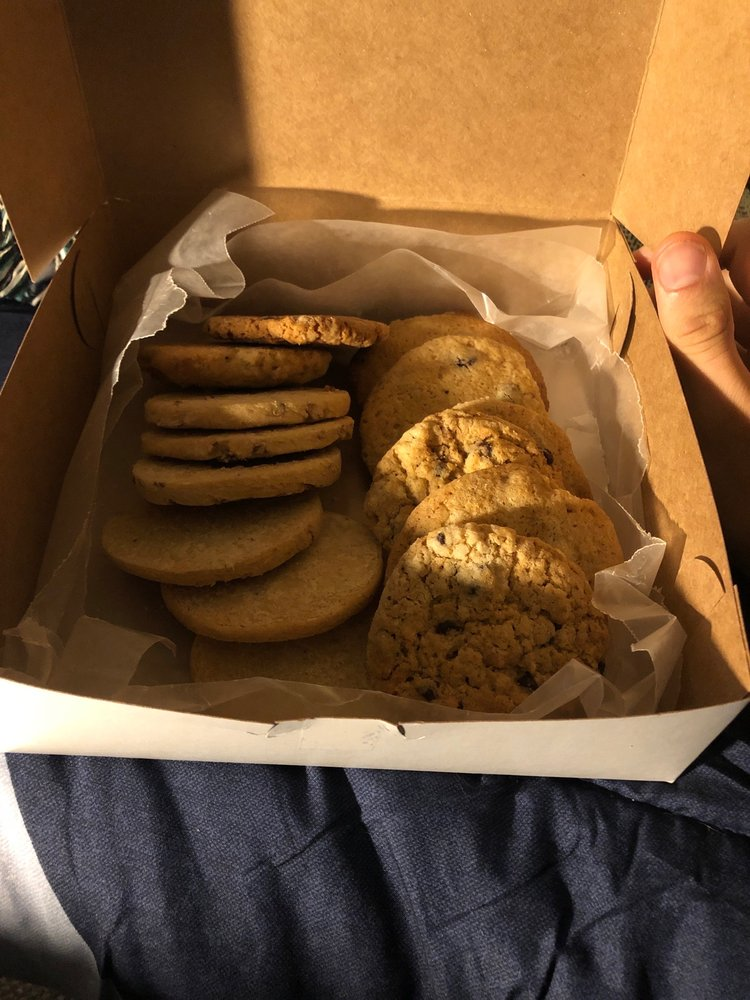 Ryals Bakery: 135 S Wayne St, Milledgeville, GA