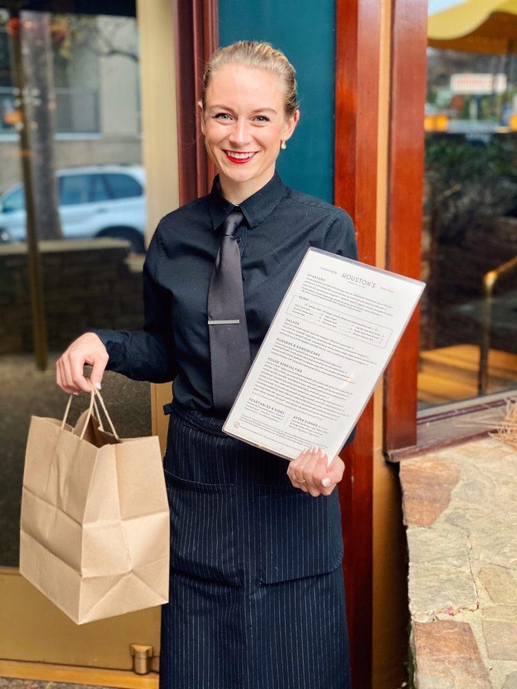 Houston's Restaurant: 2166 Peachtree Rd NW, Atlanta, GA