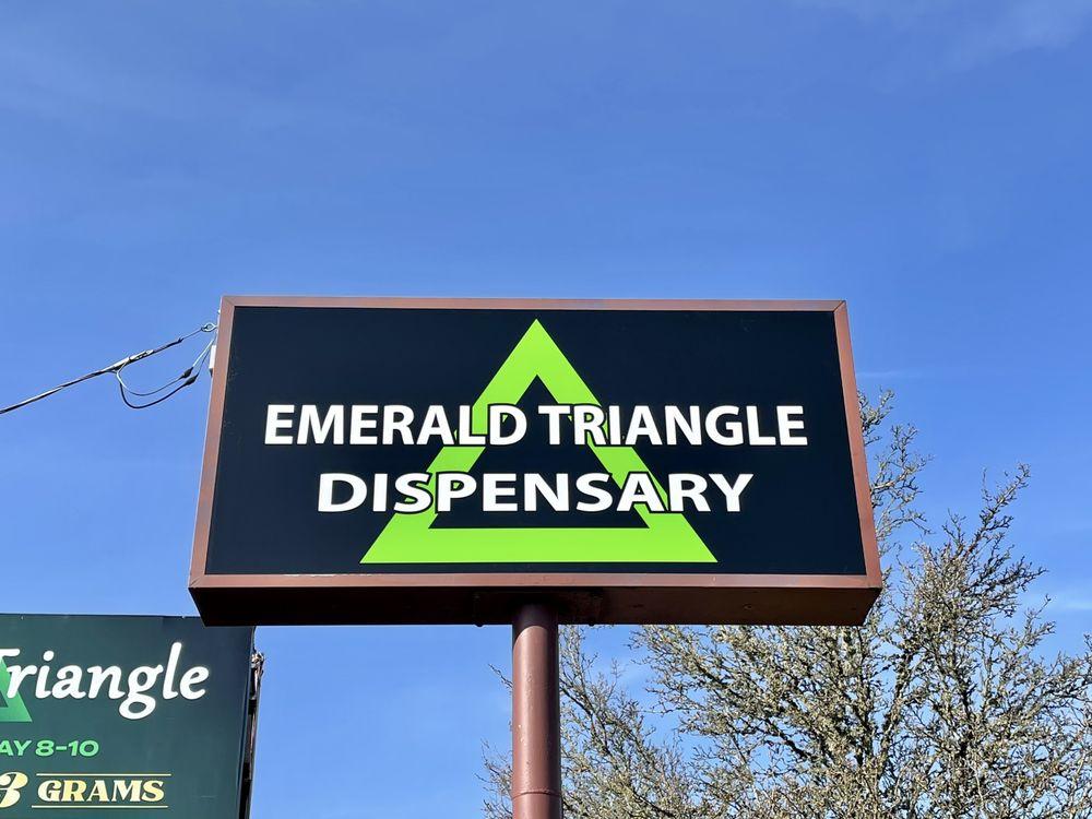 Emerald Triangle Dispensary: 838 Pacific Blvd SE, Albany, OR