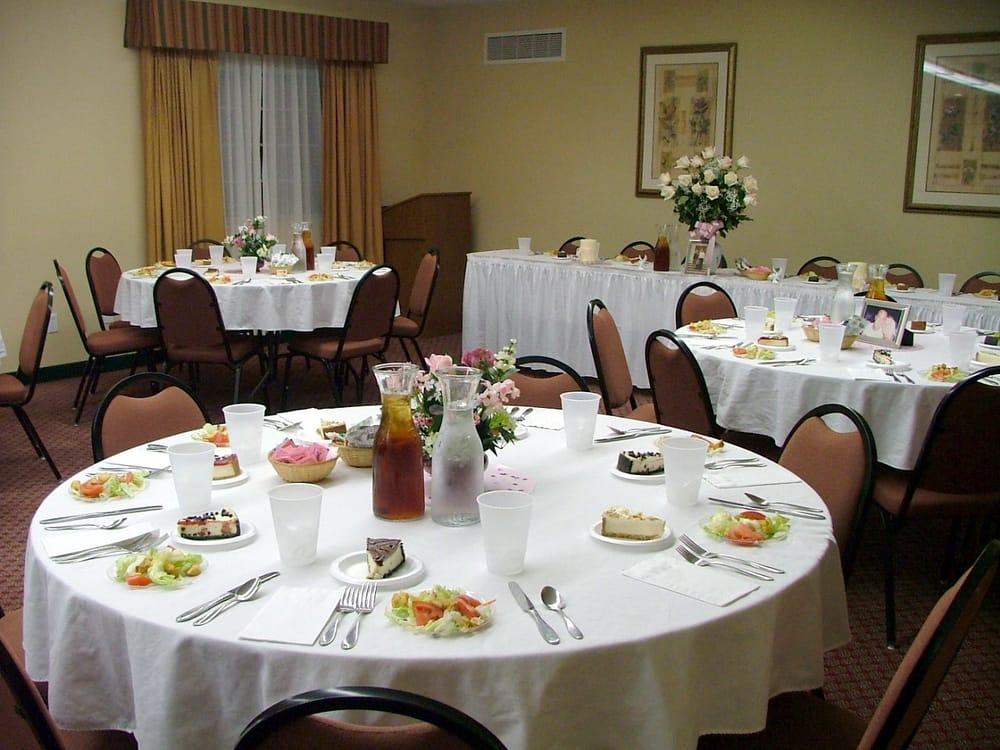 Oak Hill Inn & Suites: 1701 Oak St, Canton, MO