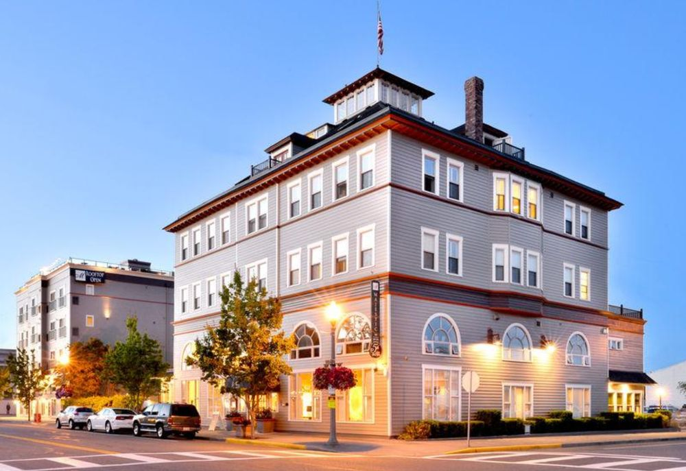 Majestic Inn & Spa: 419 Commercial Ave, Anacortes, WA