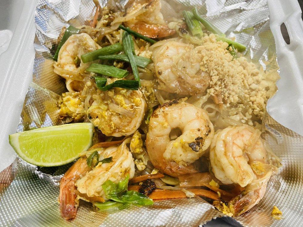 Siri's Thai Cuisine: 1305 N Bdwy, Minot, ND