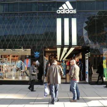 1281aaae2d06c9 Adidas - GESCHLOSSEN - 10 Fotos   16 Beiträge - Sportbekleidung ...