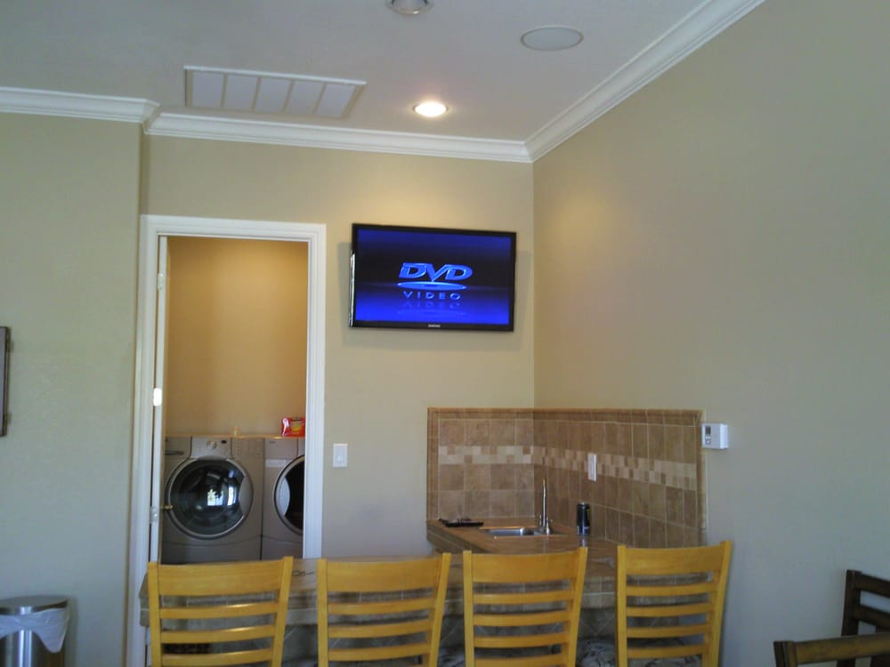 Home bar area tv yelp for Home bar area