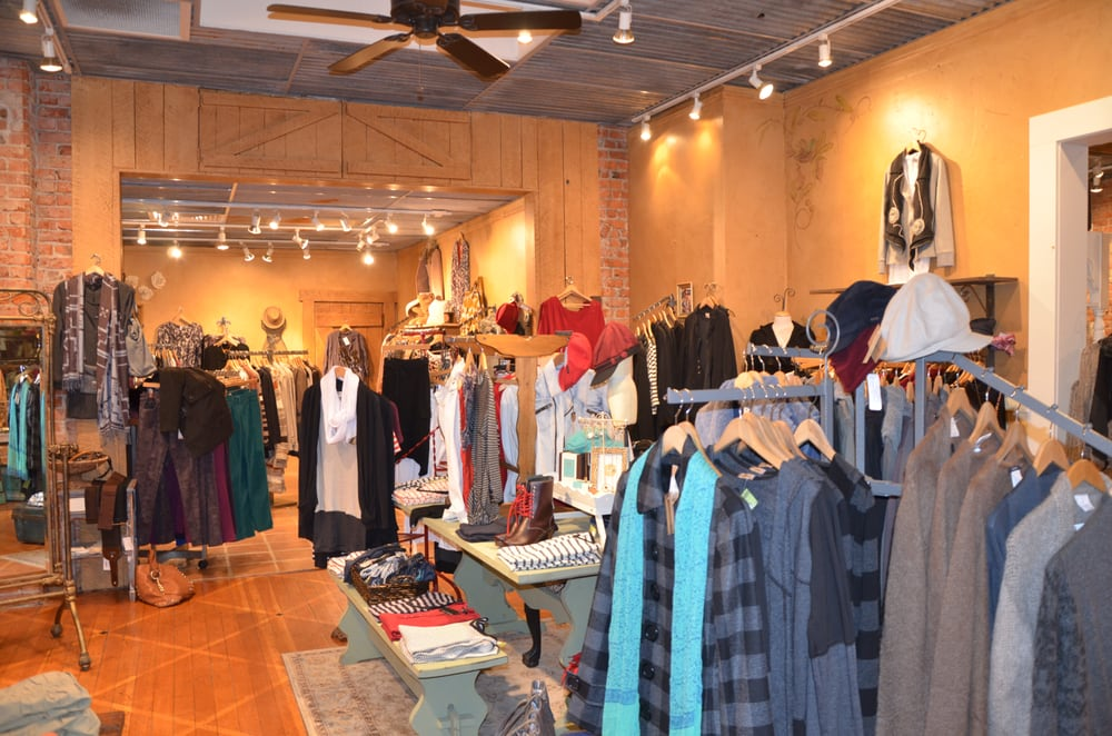 Lulu's Boutique: 150 NW Minnesota Ave, Bend, OR