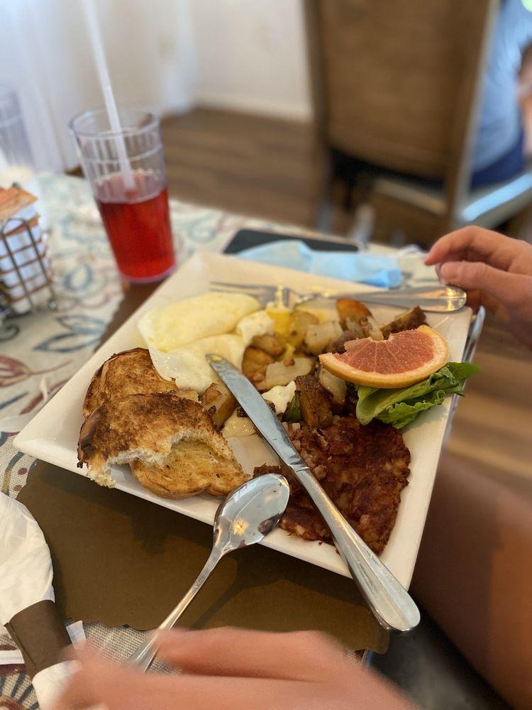 Neenas Cafe & Sweets: 4195 AZ-68, Golden Valley, AZ