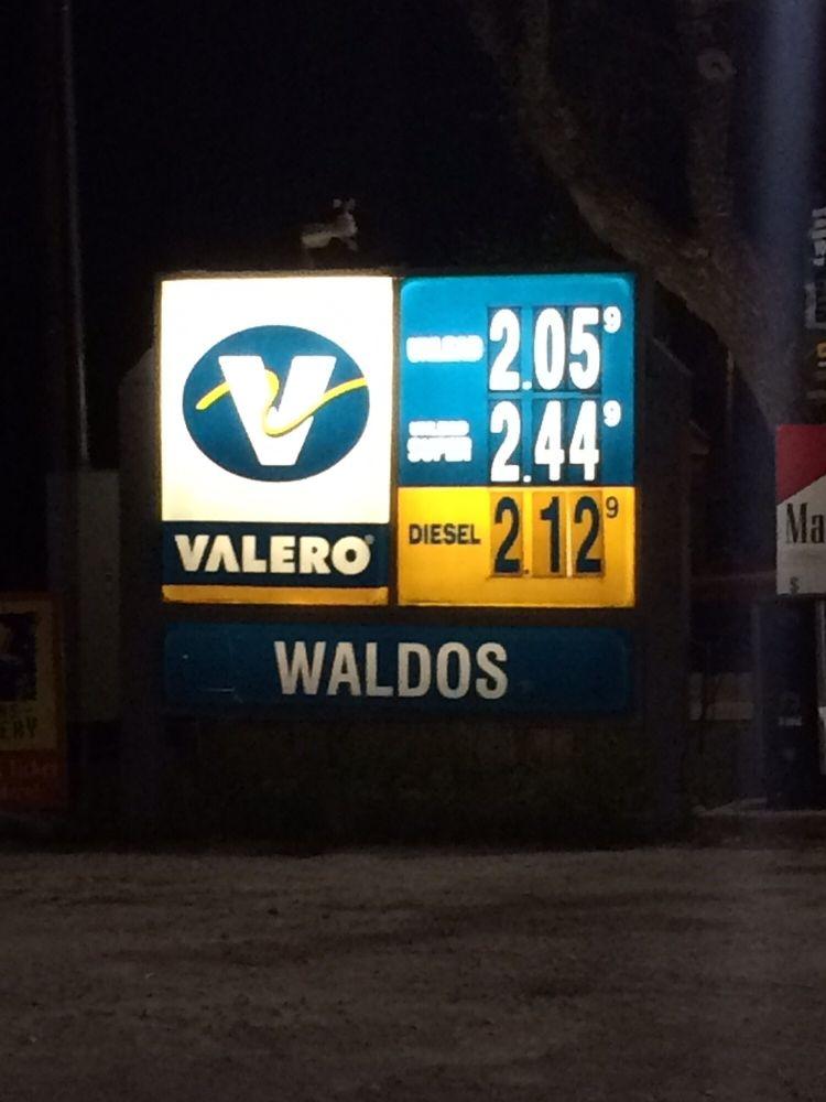 Waldos: 23682 W US Highway 290, Harper, TX