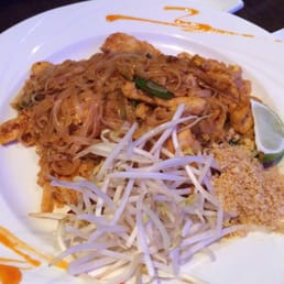 Murasaki - Cape May Court House, NJ, United States. Spicy (2) chicken pad Thai