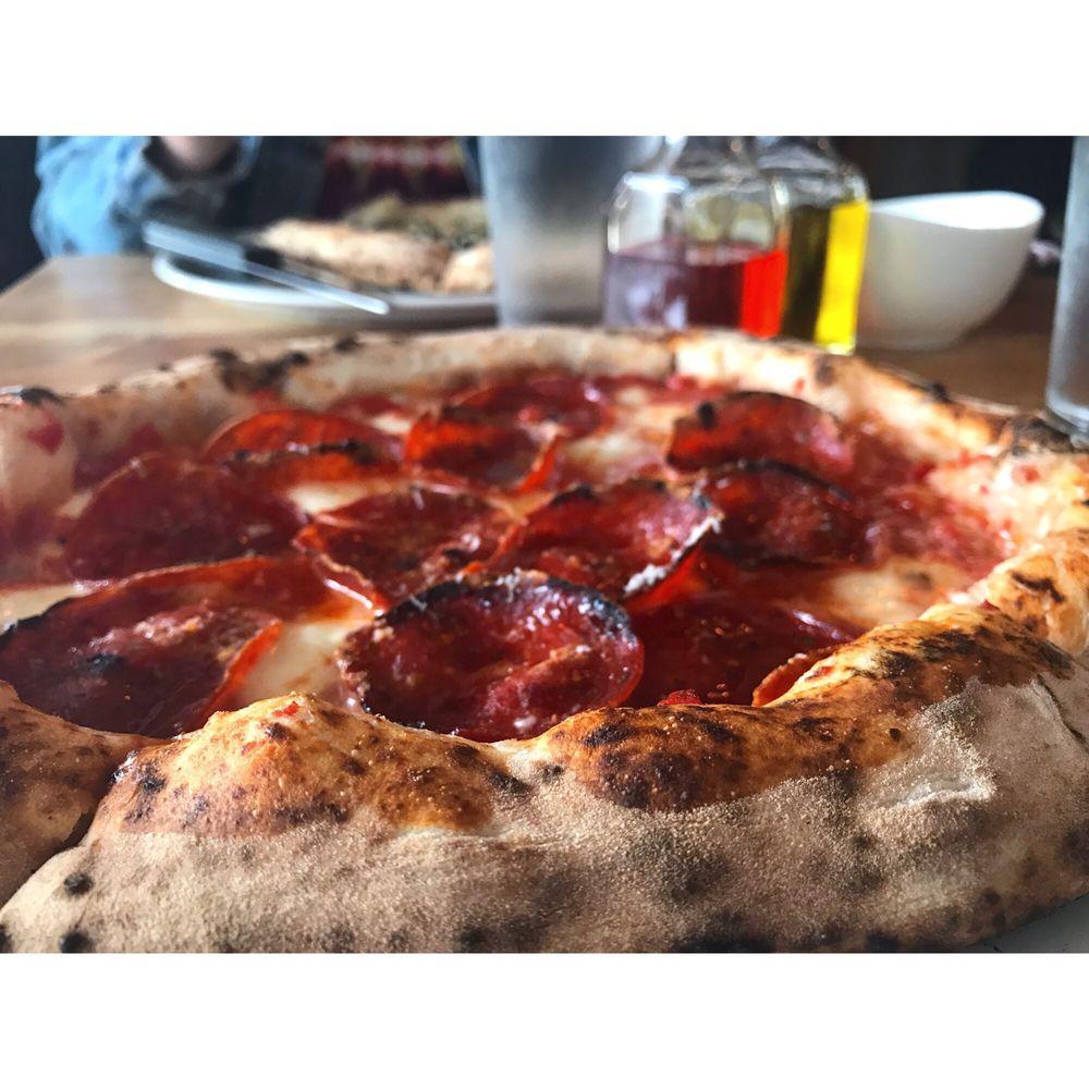 Vero Pizza Napoletana: 12421 Cedar Rd, Cleveland Heights, OH