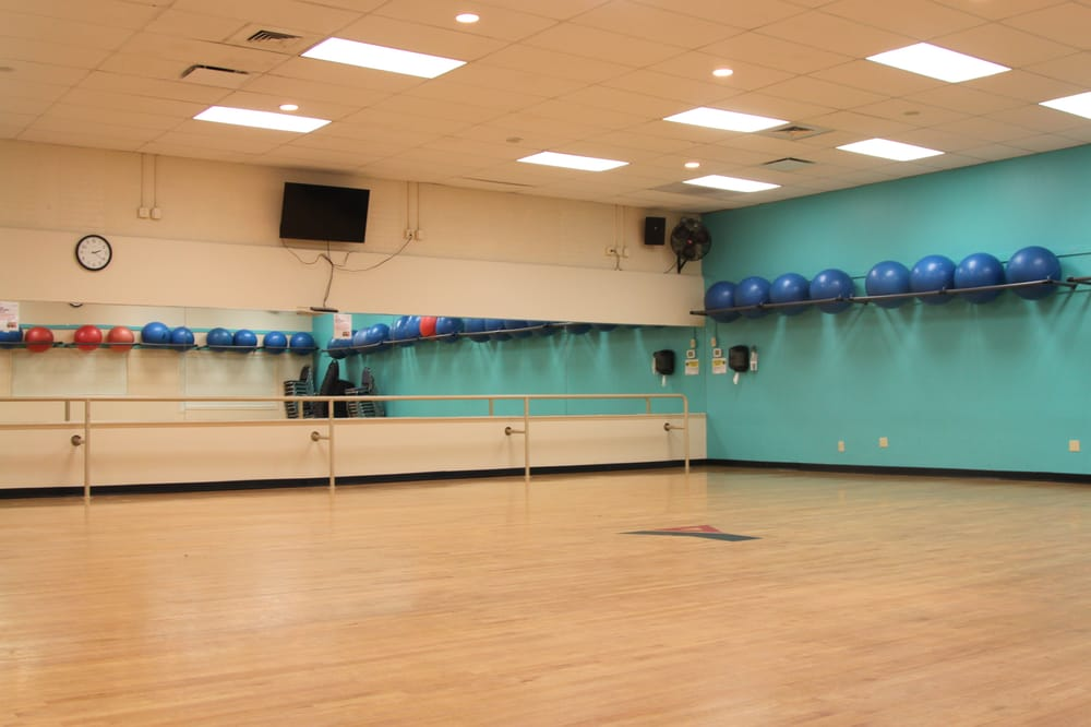 Southington-Cheshire Community YMCAs: 29 High St, Southington, CT