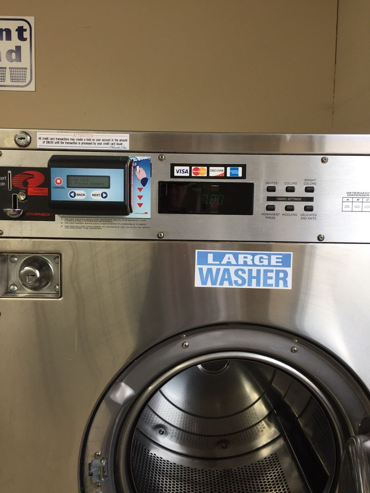 Maytag Coin Laundry: 638 Lake St S, Forest Lake, MN
