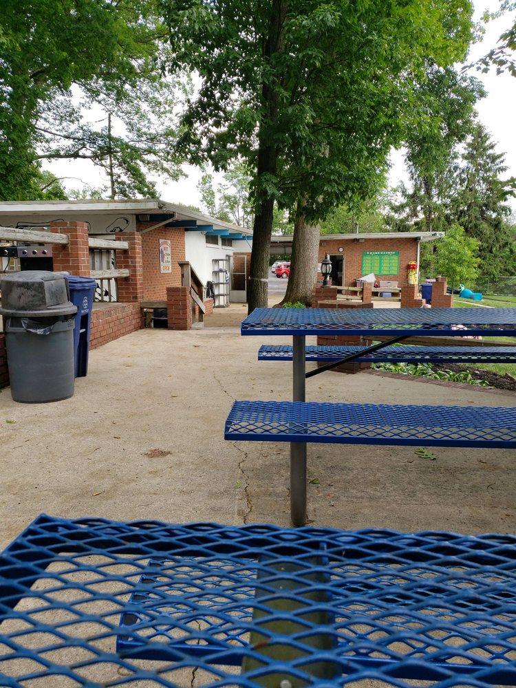 9 Oaks Swim Club: 777 Mennonite Rd, Royersford, PA