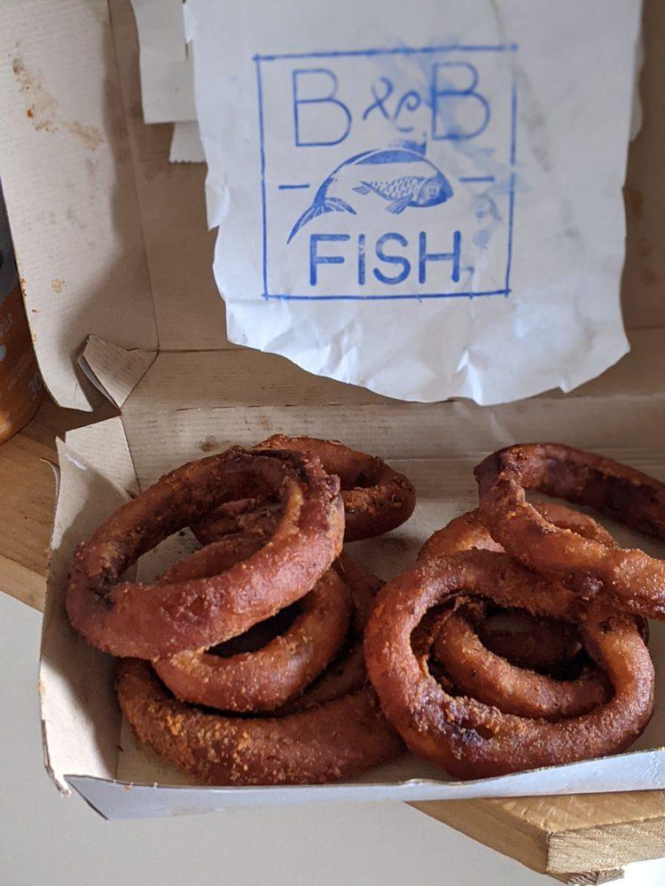 B&B Fish: 195 Pleasant St, Marblehead, MA