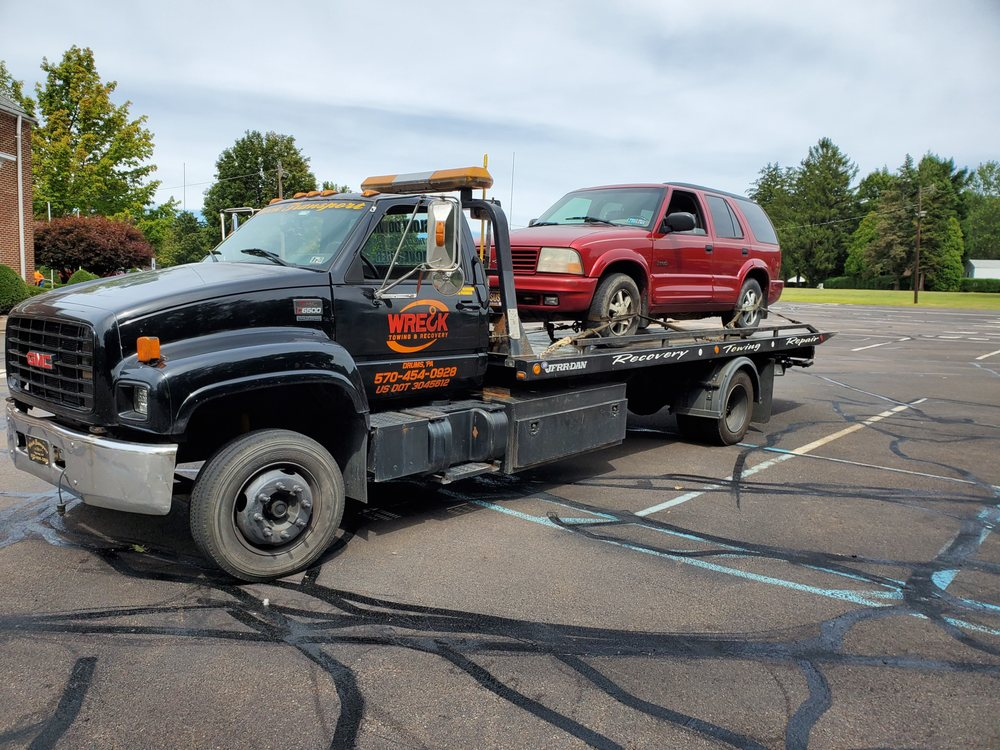 Towing business in Mountain Top, PA