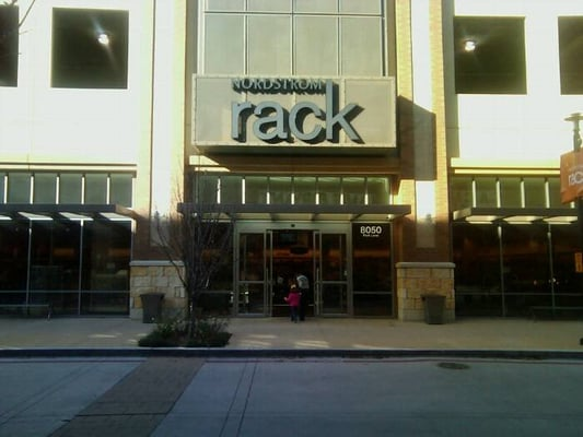 Dec 06,  · Great location for a Nordstrom Rack - It's in the heart of Dallas and near everything you want (Whole Foods, various boutiques, Northpark Mall across the highway if you can't find what you need). It's a little smaller than other Nordstrom Racks I've been at, and a little bit of a smaller selection, but it still has the basics of what most 4/4(72).
